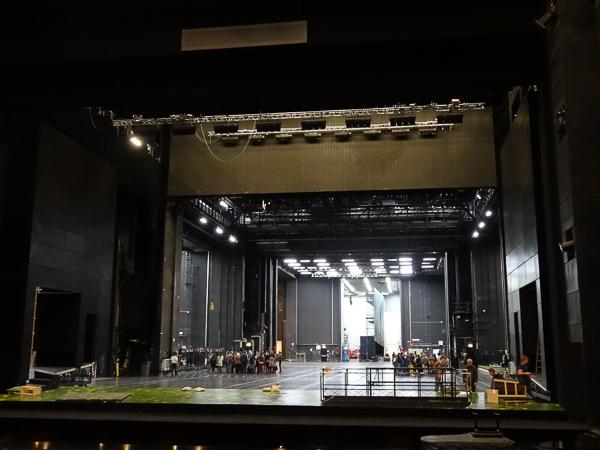La scène et l'arrière-scène de l'Opéra Bastille