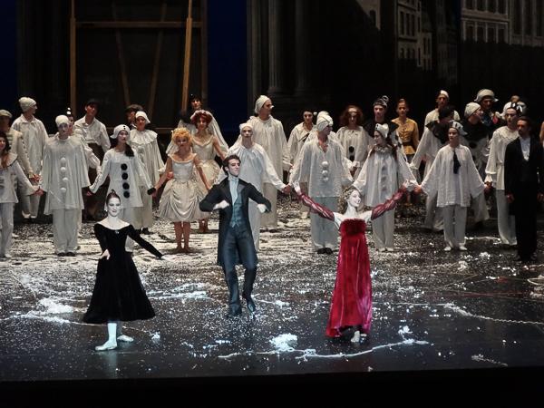 Josua Hoffalt avec Valentine Colasante et Marion Barbeau